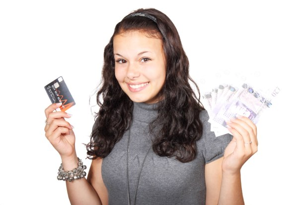 woman_credit_card_and_money